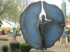 Heloise Crista sculpture