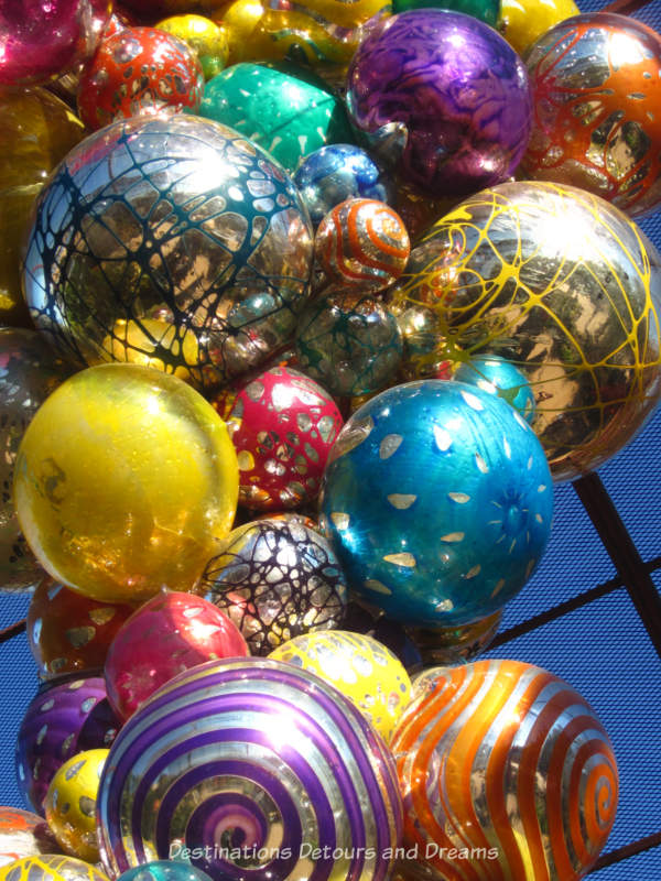 Colourful balls of the Chihuly Poluvitro Chandelier