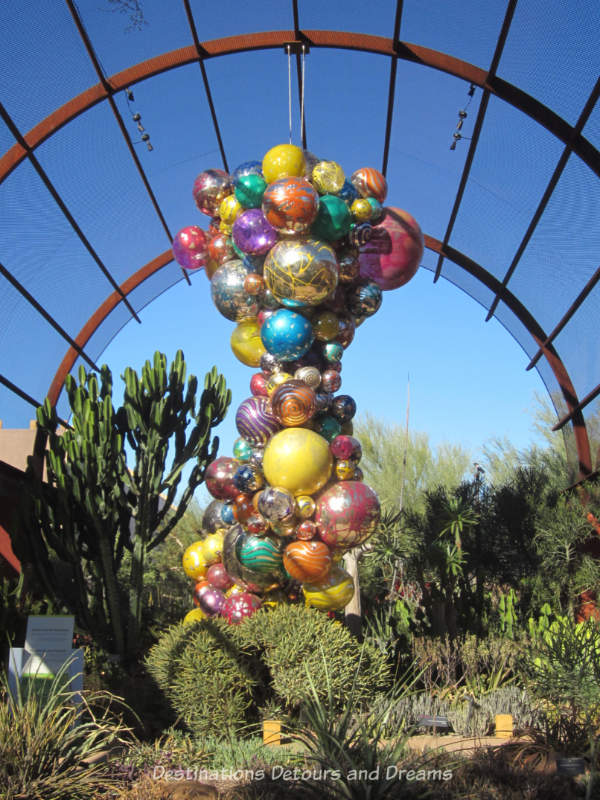 Chihuly Polyvitro Chandelier