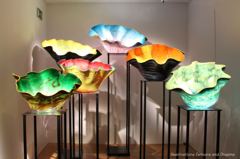 Chihuly bowls with scalloped edges at Kew Gardens