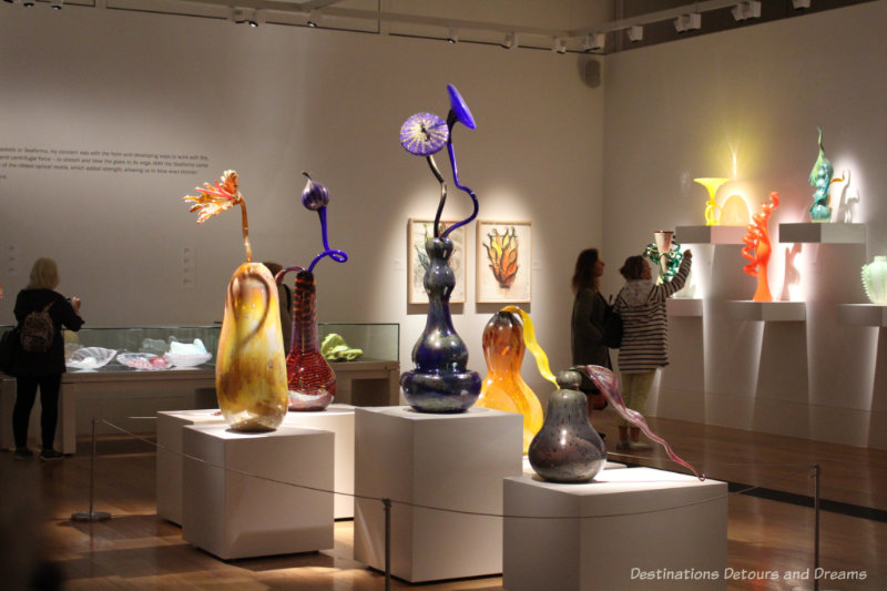 A gallery at Kew Gardens display vases and other Chihuly pieces