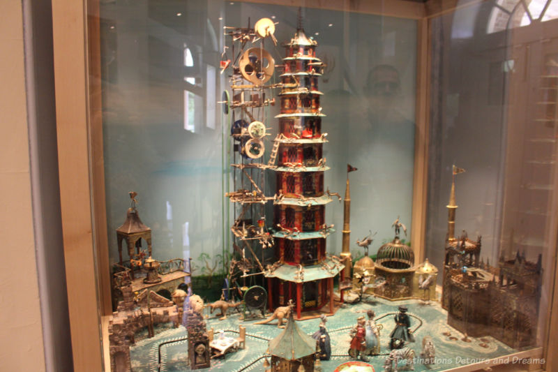 Automaton scene of the building of the Great Pagoda at Kew