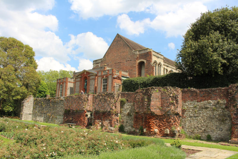 Stone palace behind a stone wall - Eltham Palace and Gardens