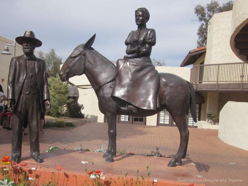 Statue of Winfield Scott standing beside horse carrying wife Helen