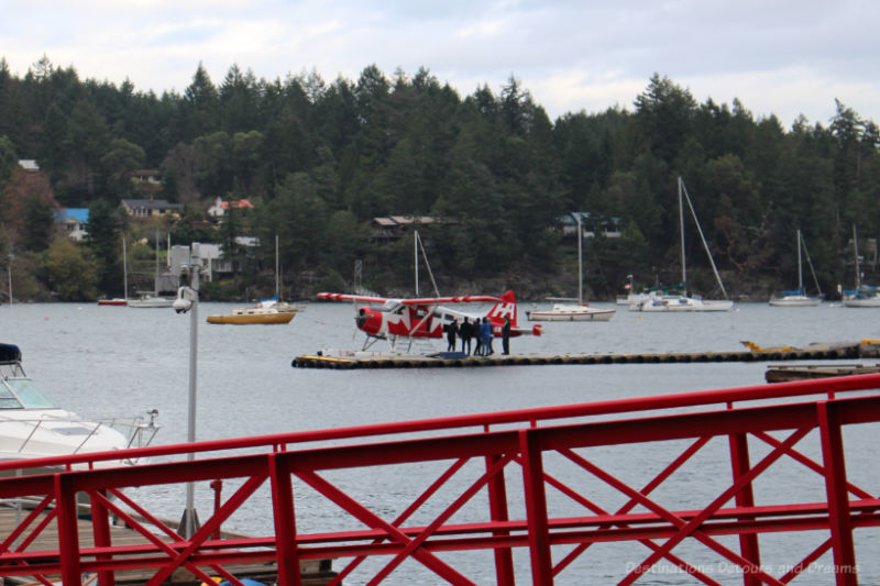 Float plane in Ganges Harbour on Salt Spring Island