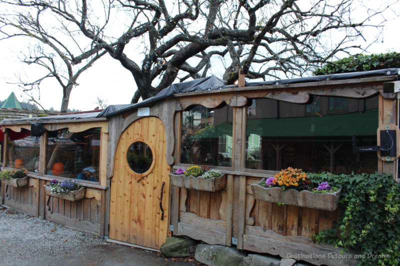Dining on Salt Spring Island - the Treehouse Cafe
