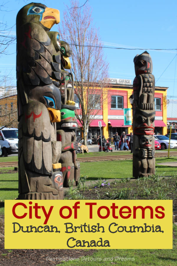 Duncan British Columbia on Vancouver Island is known as the City of Totems - take a self-guided totem pole tour #BritishColumbia #Duncan #walkingtour #totem #Canada