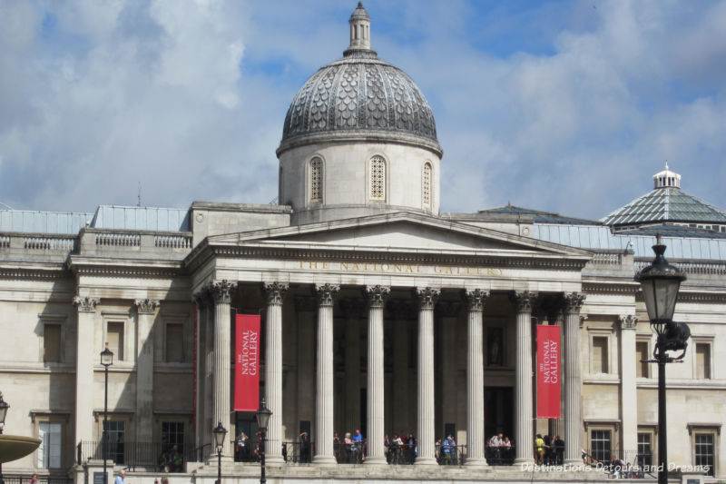 Front of the National Gallery building in London with dome roof and columns supporting entryway