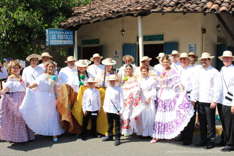 Group in traditional Panamanian dress