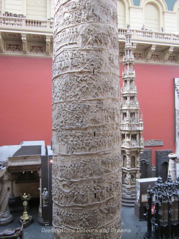 Plaster cast columns at V&A