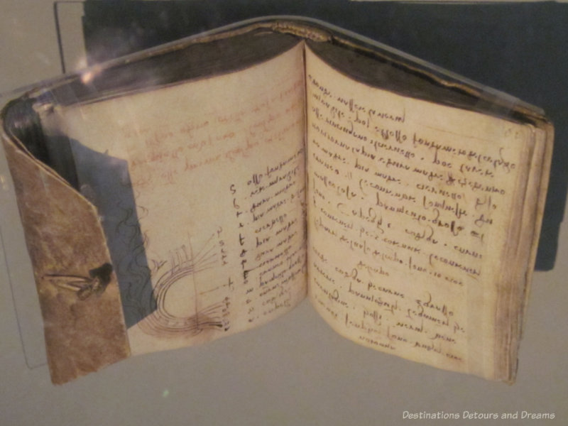 Open pages of one of Leonardo da Vinci's notebooks