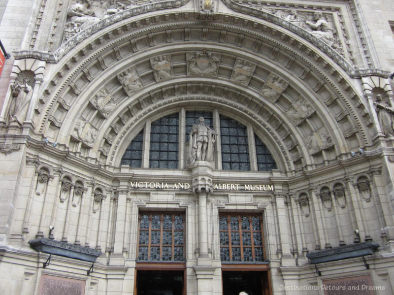 Arches and decorative works on the entrance to the Victoria and Albert Museum