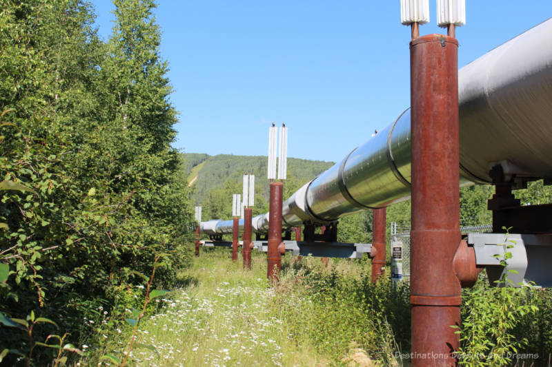 Above ground cylinder pipe of the Alaska pipeline